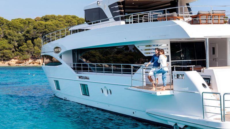 Drettmann Yachts - Gulf Craft delivers seventh Majesty 100