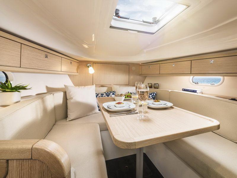 Drettmann Yachts - Drettmann Yachts shows Bavaria S29 in Hamburg