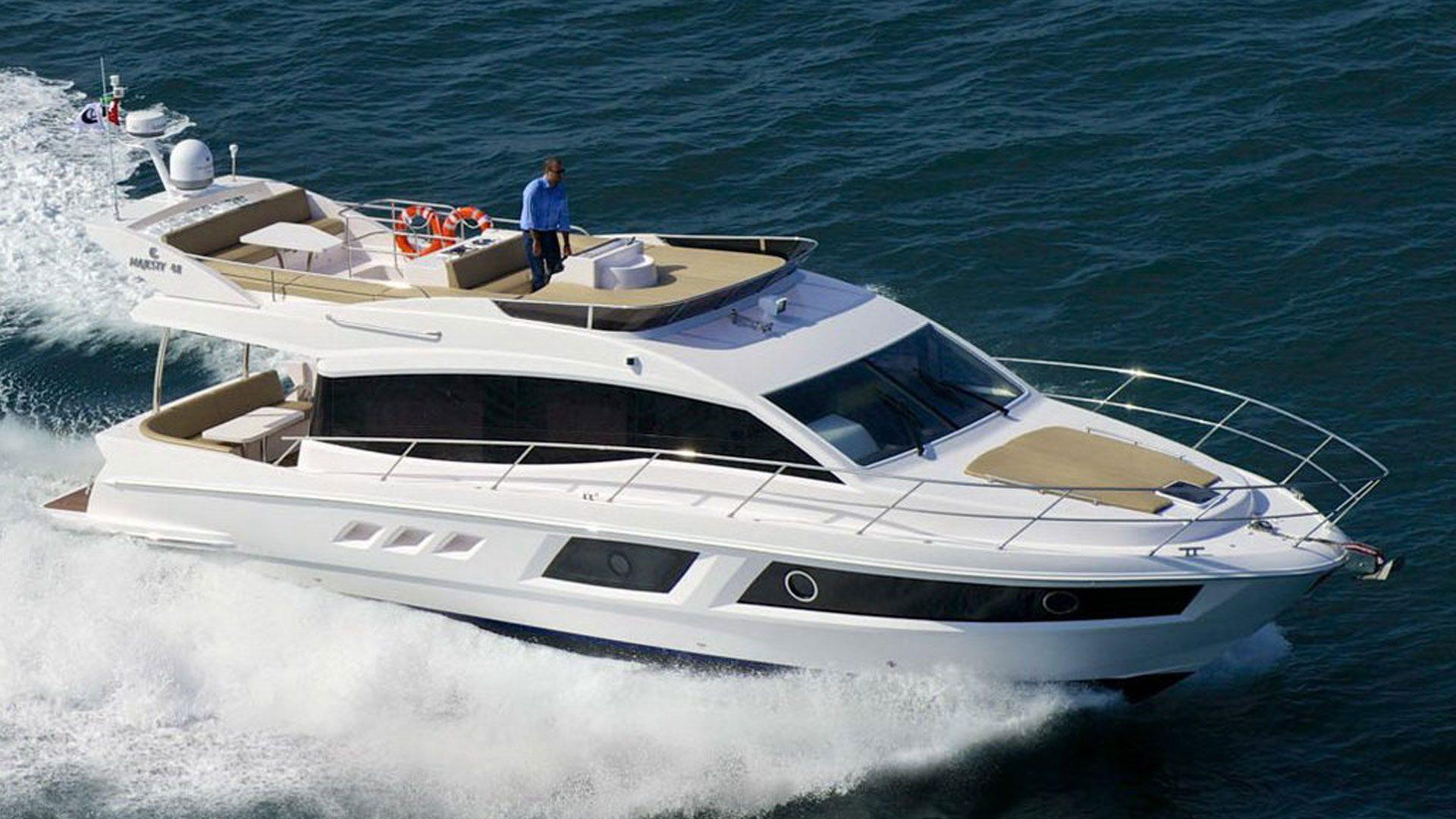 Majesty 48 - Majesty Yachts by - Drettmann Yachts